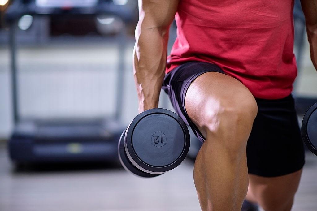 Nâng tạ nặng tăng cường testosterone