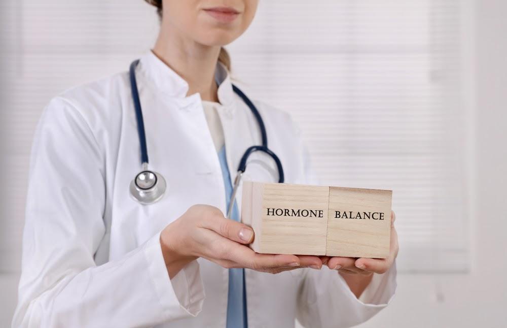 cân bằng hormone