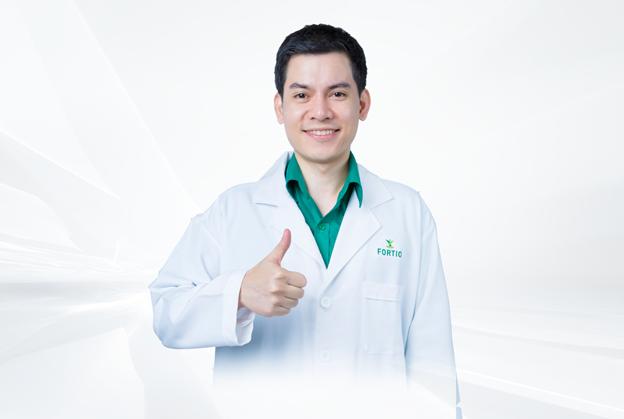 Bác sĩ Chawapon Kidhirunkul